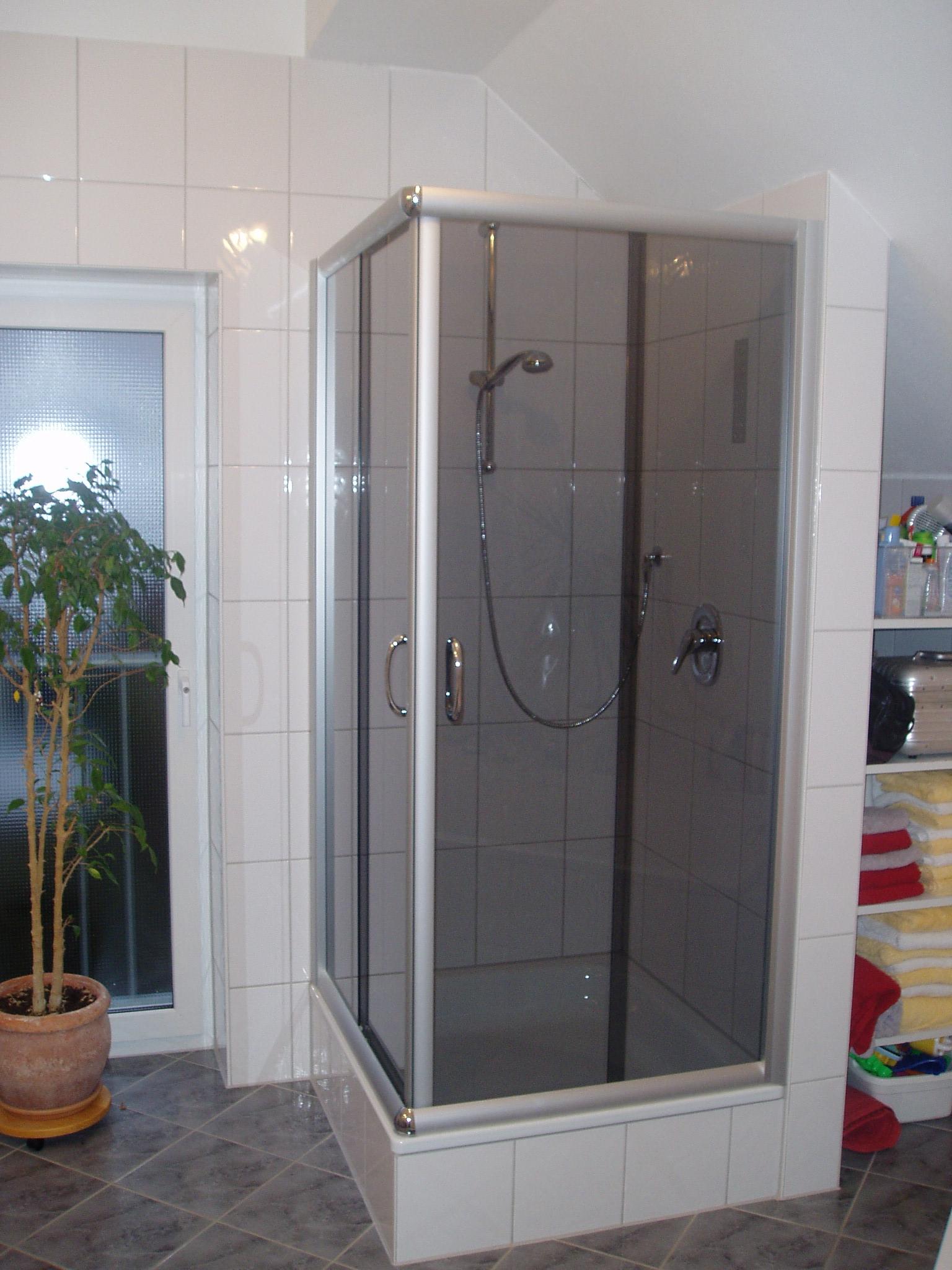 duschkabine 900 750 eckventil waschmaschine. Black Bedroom Furniture Sets. Home Design Ideas
